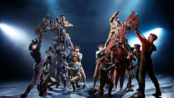 National Theatre production of War Horse reviewed by Paul Seeven Lewis of One Minute Theatre Reviews